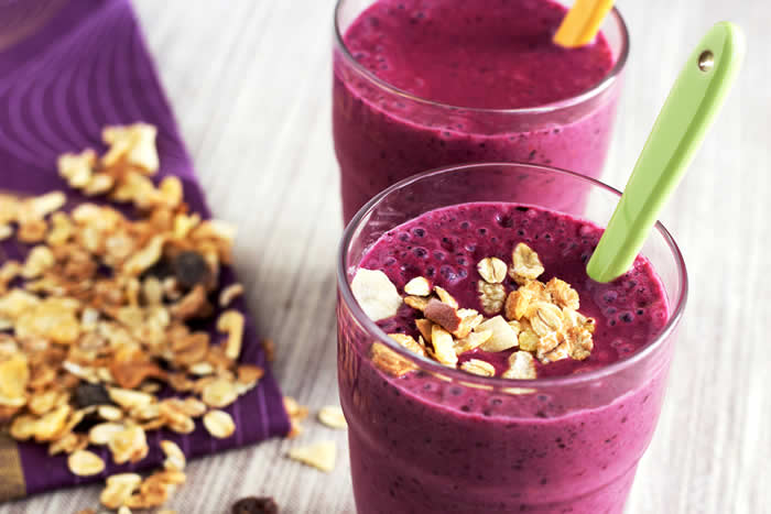 ACAI Smoothie with Red Cabbage