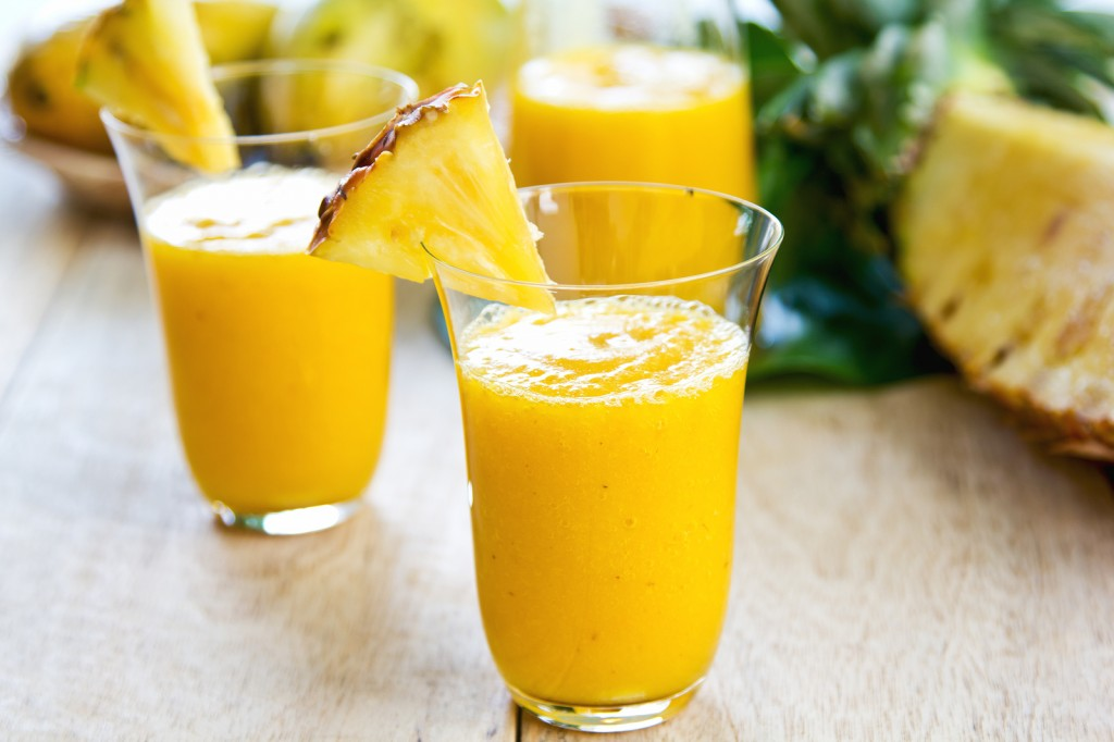 Refreshing Mango Smoothie Recipe by @BlenderBabes