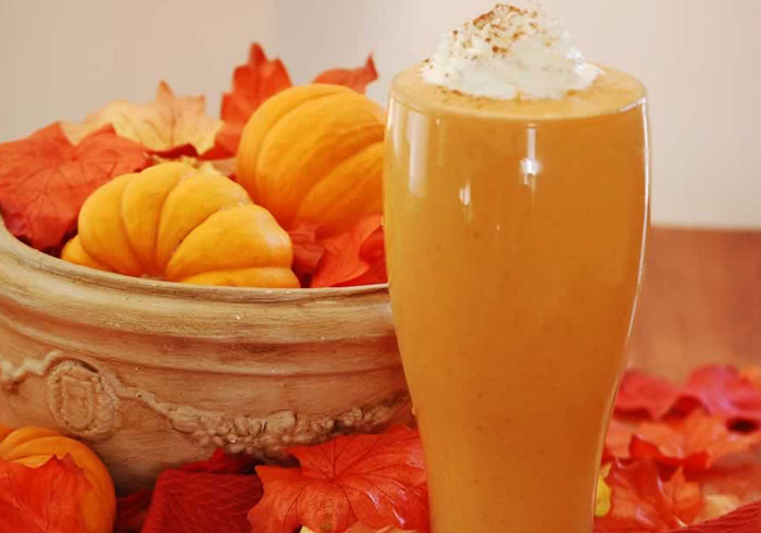 Protein Packed Pumpkin Peanut Butter Smoothie by @BlenderBabes