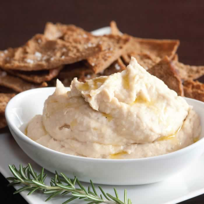 Roasted Garlic White Bean Dip with Rosemary Pita Recipe from @BlenderBabes