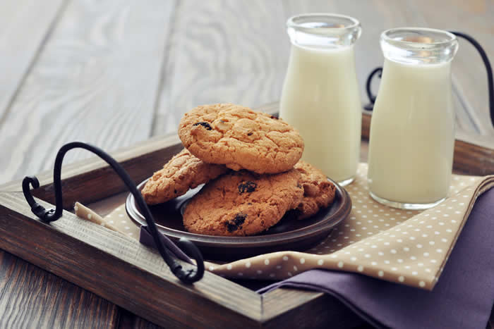 Alton Brown's Chewy Gluten Free Chocolate Chip Cookies