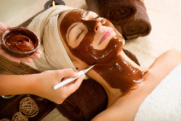 Anti-Aging Chocolate Face Mask - Another Edible Treat for Your Face - Recipe by @BlenderBabes