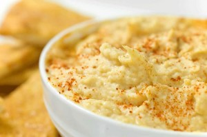 Amazing Hummus Recipe by oh she glows made in a Blendtec or Vitamix Blender by @BlenderBabes
