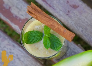 Cantaloupe Grape Green Smoothie Recipe by @BlenderBabes