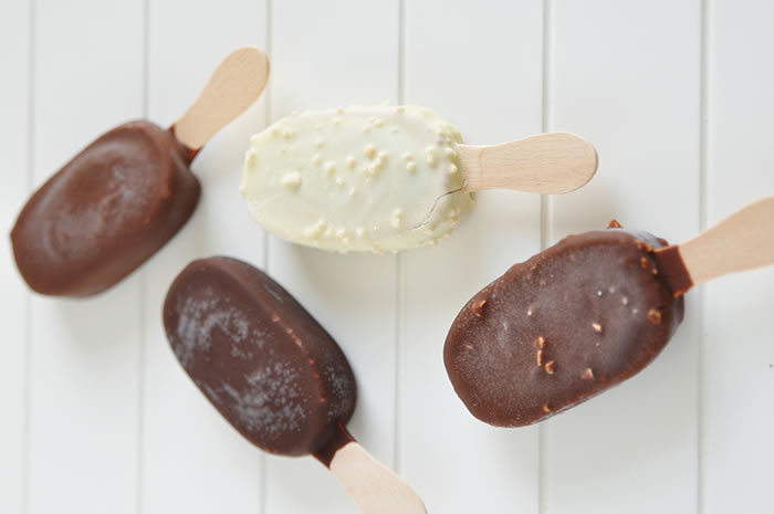 Cashew Banana Chocolate Covered Frozen Ice Pops Recipe from @BlenderBabes