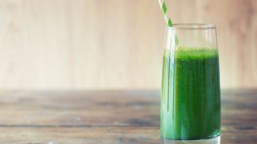 Coconut Mango Lime Green Smoothie with Kale by @BlenderBabes