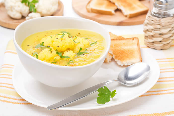 Dr Weil Curried Cauliflower Soup from True Food Kitchen Cookbook vis @BlenderBabes