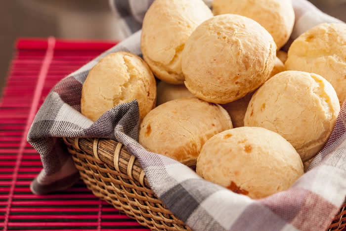 Gluten-Free Brazilian Cheese Bread – Real Pao de Queijo