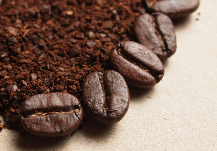 How to Grind Coffee Beans Using A Power Blender