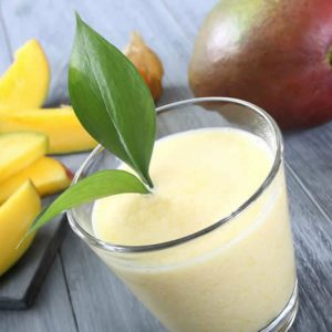Mango Smoothie made in your Blendtec or Vitamix blender by @BlenderBabes