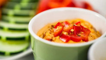 Sundried Tomato Hummus Recipe from @BlenderBabes