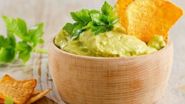 Roasted Green Chili Lime Hummus Recipe by @Blendtec via @BlenderBabes