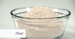 Comprehensive Vitamix 5200 Review Grinding Flour by @BlenderBabes