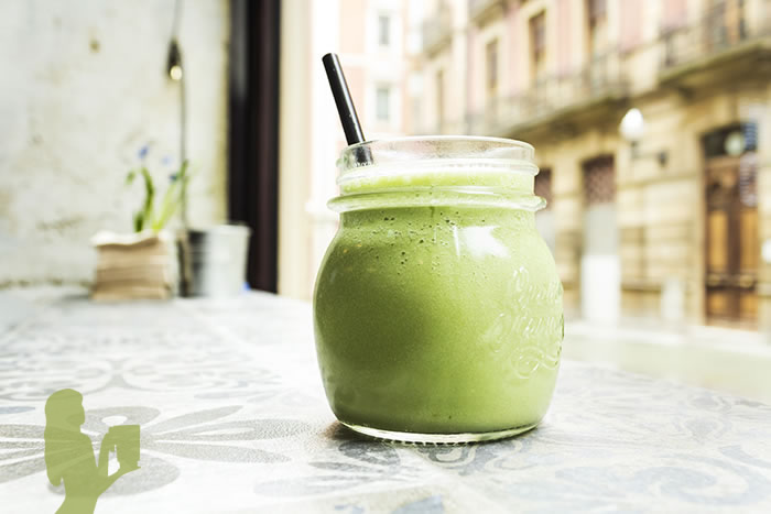 Orange Wheatgrass Smoothie Recipe in a Blendtec or Vitamix by @BlenderBabes