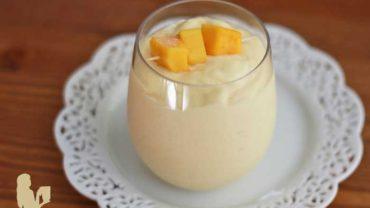 DIY Copycat Jamba Juice Mango a go go smoothie recipe by @BlenderBabes