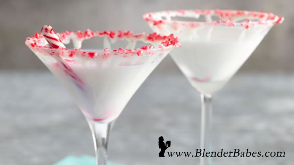 Peppermint Alexander - A Holiday Cocktail from BlenderBabes